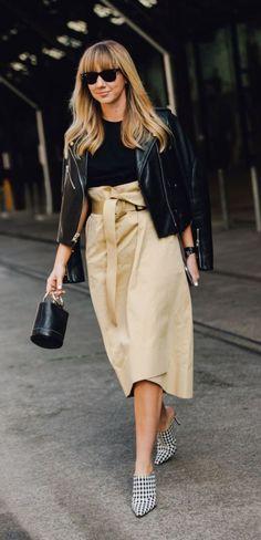 Share this Style: Australian Fashion Week 'Street Style' #SharethisStyle: #AustralianFashionWeek #Street #Style | #peças #básicas #botas #escuras #jeans #estampados #sobreposições #tendências #edição #AustralianFashionWeek #celebridades