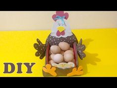 Eggholder Chick - free pattern and videotutorial Corpus Christi, Basket Bag, Easter Baskets, Home Decor Inspiration, Free Pattern, Diy Home Decor, Easy Diy, Arts And Crafts, Eggs