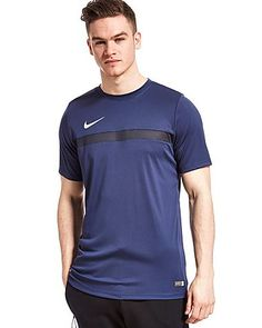 Whether you're hitting the gym or taking it to the track, optimise comfort wherever your workout takes you in this men's Academy Poly T-Shirt from Nike. Made with a lightweight fabric, Dri-FIT material wicks sweat away for cool, dry performance, while mesh panelling to the back neck and front increase breathability so you can stay focused and determined when the temperature rises…