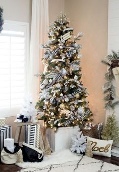 Gold And White Christmas Décor Ideas 13