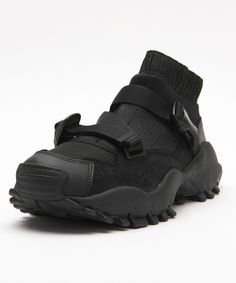 아디다스(ADIDAS) [BA8357] AOH-010 하이크 시유레이터 블랙 Mens Boots Fashion, Sneakers Fashion, Fashion Shoes, Shoes Sneakers, Sneakers Sketch, Shoes 2018, Tactical Clothing, Sneaker Boots, Casual Boots