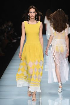Anteprima Spring-Summer 2016 / Milano Fashion Show -  - Read full story here: http://www.fashiontimes.it/galleria/anteprima-spring-summer-2016-milano-fashion-show/