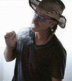 Bono #u2newsactualite #u2newsactualitepinterest #bono #u2 #music #rock