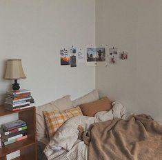 Room Ideas Bedroom, Bedroom Decor, Bedroom Inspo, Study Room Decor, Minimalist Room, Pretty Room, Aesthetic Room Decor, Cozy Room, Home And Deco