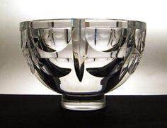 Detailed image of Simon Gate 1932 design, Orrefors Tusen fonster (Thousand Windows) bowl
