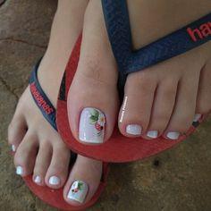 A imagem pode conter: uma ou mais pessoas, sapatos e close-up Toe Nail Color, Nail Colors, Get Nails, Bare Foot Sandals, Manicure And Pedicure, Nail Art Designs, Close Up, Toe Nail Designs, Easy Nail Art