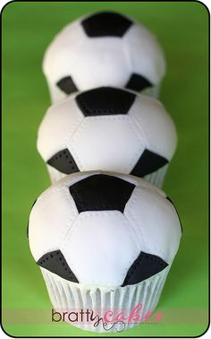 Soccer Cupcakes by Natty-Cakes (Natalie), via Flickr