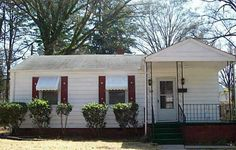 FOR RENT - 324 Gene Avenue, Charlotte NC 28205  Nice 3 bedroom, 1 bath. Central air and gas heat. Front porch. Living room and dining room.  $695/Mnth