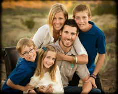 Portrait photographer in Phoenix, AZ specializing in family, children, and wedding photography. Studio Family Portraits, Family Portrait Poses, Family Portrait Photography, Family Posing, Family Photographer, Wedding Photography, Seattle Photographers, Portrait Photographers, Family Photo Sessions