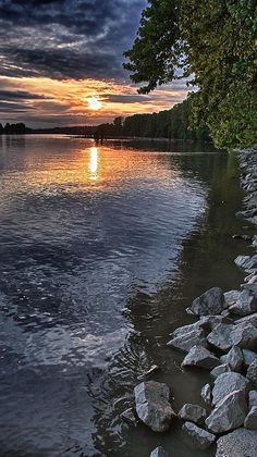 Fraser River sunset in British Columbia, Canada, Photo: Scott Holmes on FineArtAmerica