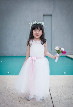 A smiley flower girl: http://www.stylemepretty.com/australia-weddings/victoria-au/2015/01/22/modern-elegant-melbourne-wedding/ | Photography: Love You Sweetheart - http://www.loveyousweetheart.com.au/