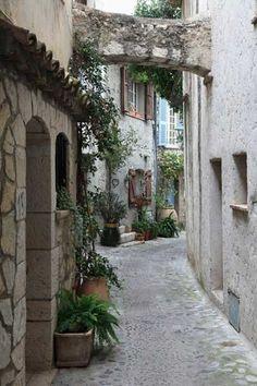 Pequeña villa medieval de St. Paul de Vence, en la Provenza francesa.
