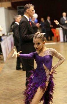 Trendy Danza Latina Latin Dancing - Dance World 2020 Latin Ballroom Dresses, Ballroom Dancing, Salsa Dress, Skating Dresses, Samba, Dance Outfits, Dance Costumes, Dance Wear, Health Benefits