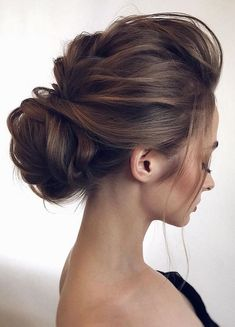 Wedding Hairstyles Medium Hair Low set wedding updo - 2018 wedding hair trends - 2018 wedding hair is all about romantic, effortless luxe with classics transformed into modern visions of glamour. Updos For Medium Length Hair, Medium Hair Styles, Short Hair Styles, Wedding Hair And Makeup, Wedding Updo, Prom Updo, Wedding Headpieces, Asian Wedding Hair, Bridal Hair