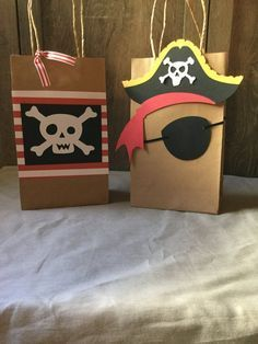 Bolsas favor de pirata pirata goodie por Awesomepapercreation Pirate Day, Pirate Birthday, Pirate Theme, 4th Birthday, Pirate Crafts, Party Packs, Party Time, Halloween, Super
