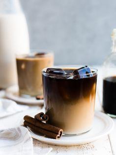 Iced Coffee, Coffee Drinks, Coffee Shop, Starbucks Coffee, Coffee Jelly, Coffee Club, Coffee Coffee, Coffee Tables, Coffee Maker