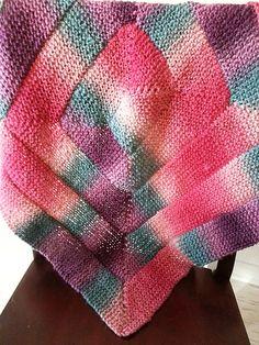 Ravelry: 10 Stitch Blanket for Loom Knitters Muster von Charity Windham # deken Loom Knitting Blanket, Loom Blanket, Loom Knitting Stitches, Spool Knitting, Knifty Knitter, Loom Knitting Projects, Knitted Blankets, Afghan Loom, 10 Stitch Blanket
