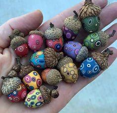 DIY ideas for autumn decoration with acorns - decoupage technique . - DIY ideas for autumn decoration with acorns – decoupage technique – - Autumn Crafts, Holiday Crafts, Diy And Crafts, Arts And Crafts, Adult Crafts, Creative Crafts, Creative Things, Acorn Crafts, Crafts With Acorns