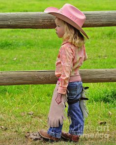Cow-girl en rose - New Ideas Cow Girl, Justin Boots, Country Outfits, Country Girls, Country Life, Kids Winter Fashion, Kids Fashion, Cowgirl Vintage, Cute Kids