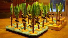 Bekijk de foto van Bongel met als titel apenkop in palmboom van lange nek en cupcake en andere inspirerende plaatjes op Welke.nl.