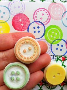 hand carved rubber stamps by talktothesun. set of 3 medium sewing button rubber stamps. style pattern stamp series for mothers day diy crafts + block printing. Diy Stamps, Homemade Stamps, Stamp Printing, Printing On Fabric, Diy Birthday Mother, Eraser Stamp, Mollie Makes, Stamp Carving, Fabric Stamping