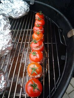 These stuffed mini vegetables are very tasty as an extra with a starter or main course. Ingredients (for 10 people) 10 yellow or green mini peppers 10 mini courgettes 10 mini eggplant … Bbq Pitmasters, Weber Bbq, Side Dishes For Bbq, Best Bbq, Summer Barbecue, Bbq Party, Grilled Vegetables, Bbq Grill, Stuffed Peppers