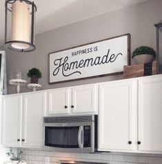 Looking for for ideas for farmhouse kitchen? Browse around this website for cool farmhouse kitchen inspiration. This specific farmhouse kitchen ideas looks brilliant. Above Kitchen Cabinets, Cheap Home Decor, Kitchen Design, Kitchen Renovation, Home Decor Kitchen, Home Decor, Kitchen Style, Modern Farmhouse Kitchens, Homemade Wood Signs