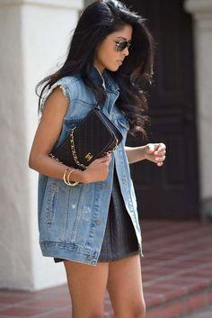 look colete jeans sobre vestido verao