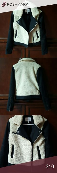 Moto Jacket NWOT Black moto Jacket blazer with faux sherpa, collar, and zip pockets. Never worn, perfect condition. Lined and very warm. Cute zipped or unzipped. Offers considered. Jackets & Coats Blazers