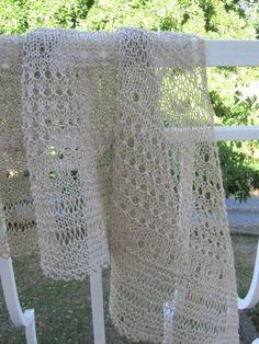 7f2259e625d1 J avais dit début septembre... et bien nous sommes début septembre ! Voici  donc le shawl que je vous propose de tricoter avec moi. J ai choisi d en  faire un ...