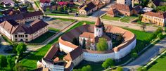 Prejmer (Tartlau): The Fortified Church (Biserica Fortificata) Places Worth Visiting, Places To Visit, Danube Delta, Transylvania Romania, Visit Romania, Architecture Student, Cathedral, Google, Beautiful Places