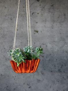 Cake mold plant holder
