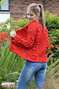 Pick your favorite shade for this easy crochet granny square cardigan which provides surface interest through bobble stitches that look great even when made all in one color. The pattern is free, it comes in 9 sizes & includes a YouTube video as well. Double Crochet, Easy Crochet, Single Crochet, Free Crochet, Crochet Top, Crochet Granny, Crochet Cardigan Pattern, Sweater Knitting Patterns, Crochet Patterns