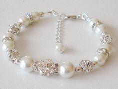 White Pearl Wedding Bracelet Brides Jewelry Bridal von Griseldis, $25.00