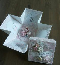 Eksplosjonsboks til barnedåp Decorative Boxes, Gift Wrapping, Babies, Gifts, Home Decor, Babys, Presents, Wrapping Gifts, Interior Design