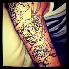 Gorgeous linework    http://sometimessweet.blogspot.com/2011/12/tattoo-tuesday-v100.html