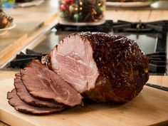 Christmas Ham with Raspberry Mustard : Don't let the name of this recipe fool you; it doesn't have to be Christmastime to cook up this fan-favorite ham. The key to her recipe is the two-ingredient glaze, which adds a welcome tangy bite. Raspberry Cobbler, Raspberry Punch, Raspberry Popsicles, Raspberry Mustard Recipe, Raspberry Preserves, Raspberry Cordial, Raspberry Cocktail, Raspberry Buttercream, Raspberry Syrup