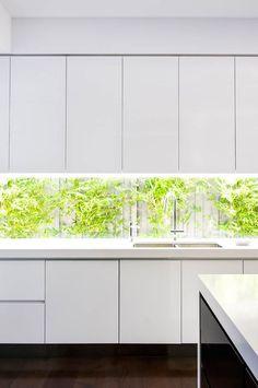 Love this image..caesarstone, looking good Schulberg Demkiw Architects 1141 Pure White
