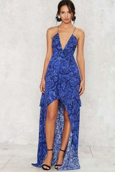 Your friends will be jealous after they see your The Jetset Diaries Indigo Jungle Maxi Dress.