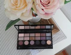 Girls on film Makeup Revolution, Swatch, Palette, Eyeshadow, Make Up, Film, Blog, Beauty, Palette Table