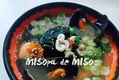 Sopa de miso, con mejillones y falsos noodels. Receta paso a paso, con fotos.