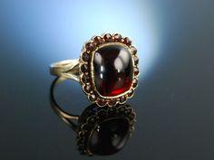 Antique garnet ring! Feinster Karfunkelstein! Historischer Granat Ring Gold 333 großer Cabochon München um 1910, traditioneller Trachtenschmuck bei Die Halsbandaffaire