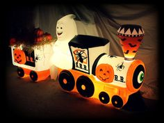 Halloween Horrors Queen — Found this on facebook coolest thing ever I think,...