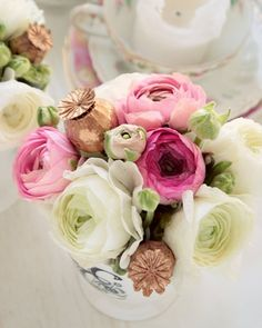 Seriously, who wants roses for Valentine's when you can have ranunculus?