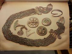 Viking age / kuhmoinen / Finnish / Copy Varangian Guard, Les Runes, Norse People, Viking Life, Asatru, Norse Vikings, Viking Symbols, Iron Age, Anglo Saxon