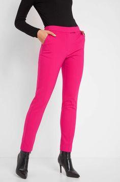 Nohavice s pukmi - Červená a ružová Sweatpants, Clothes, Fashion, Outfits, Moda, Clothing, Fashion Styles, Kleding, Outfit Posts