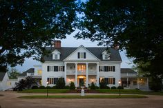 "Referred to as ""Austin's Desire"" in the 1642-land patent, the original six hundred-acre plantation site the Inn at Warner Hall now sits on was established by Augustine Warner as a ""land grant"" from the British Crown. http://www.warnerhall.com"