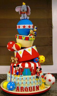Mickey, Minnie, Donald, Daisy, Tic&Tac et Dumbo au cirque