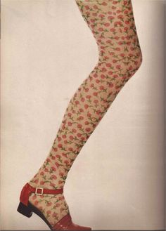 Photo by David Bailey, Vogue UK, November 1968 Seventies Fashion, 1960s Fashion, Vintage Fashion, Mod Fashion, Fashion Goth, Vintage Style, Vintage Shoes, Vintage Outfits, Vintage Clothing