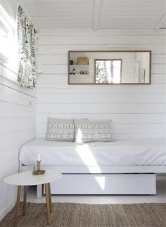 my scandinavian home: Summer cottage Style At Home, Home Bedroom, Bedroom Decor, Bedroom Ideas, Master Bedroom, Bedrooms, Clean Bedroom, Modern Bedroom, Ideas Hogar